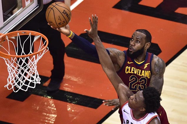 LeBron, Love lead second half surge to stun top-seed Raptors as Cavs take 2-0 lead to Cleveland