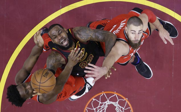 From crumbling at crunchtime early in career, LeBron turns into game's preeminent closer