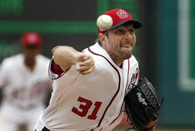 Max Scherzer strikes out 15, Nationals score two runs in ninth to beat Phillies