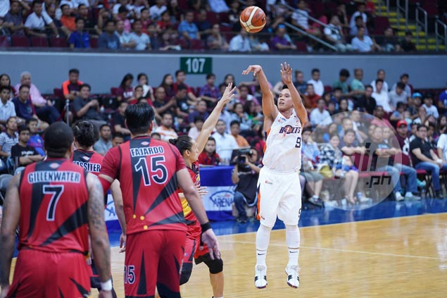 Baser Amer thrilled to get good looks, thanks to attention Onuaku commands in the paint