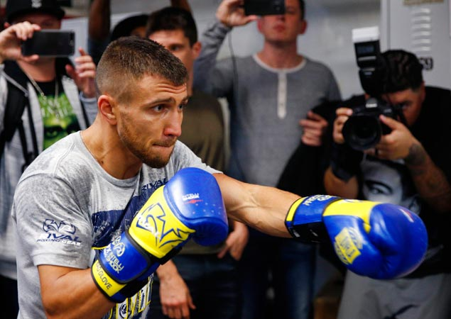 Vasyl Lomachenko expects tough Jorge Linares to bring out the best in him