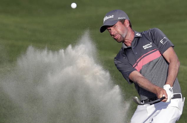 Webb Simpson continues solid play to extend lead to seven in The Players Championship