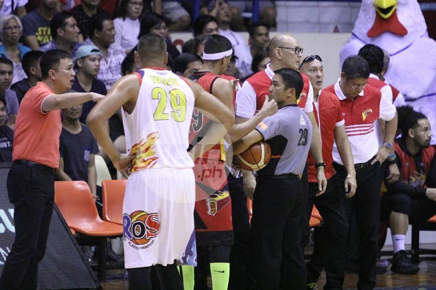 Gillenwater's early ejection bolsters fans' clamor for Balkman return to SMB
