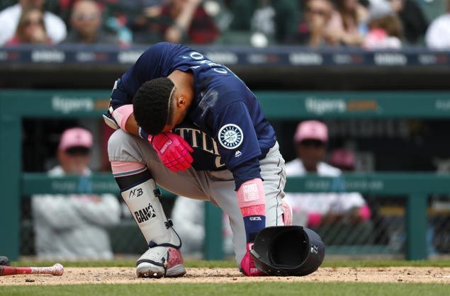 Robinson Cano may need to undergo hand surgery after getting hit by pitch