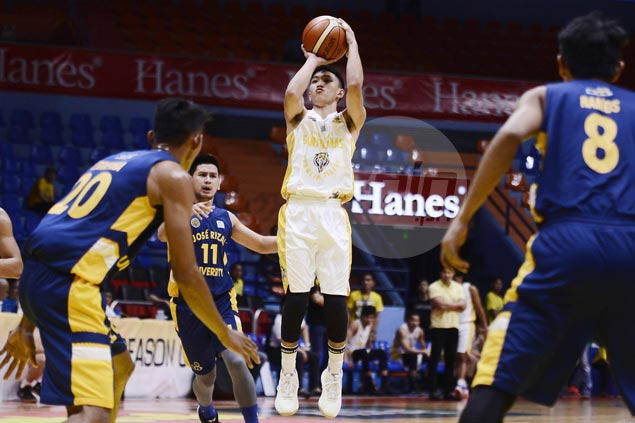 Renzo Subido shows way as UST Tigers score first victory, keep JRU Bombers winless