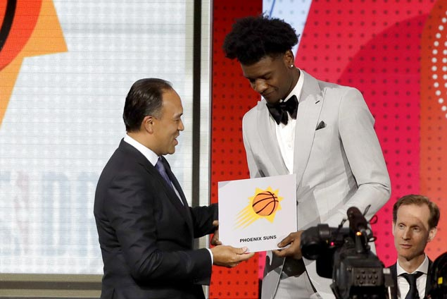 Suns land No. 1 pick in NBA draft followed by Kings and Hawks