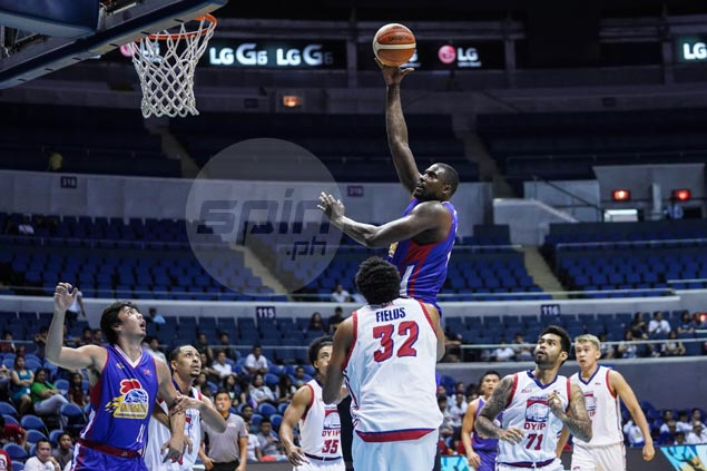 V-Mack makes most of borrowed time as Magnolia dismantles Columbian Dyip