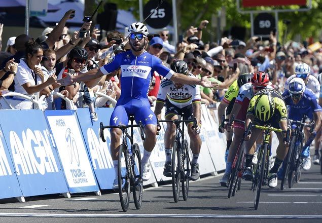 Fernando Gaviria dodges trouble in chaotic finish to take Stage Five honors in California