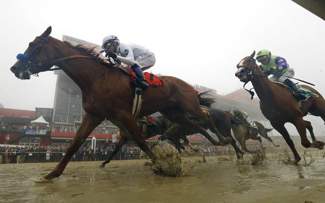 Justify on track for Triple Crown with big Preakness victory at foggy, muddy Pimlico