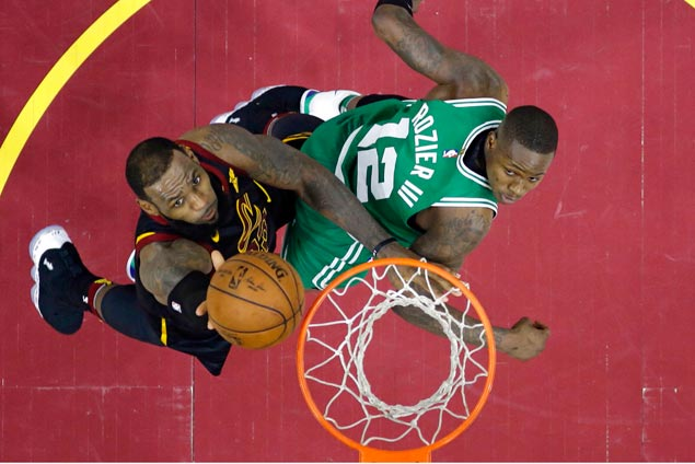 After Prince Harry said his 'I do,' LeBron James reminded the Celtics who's king
