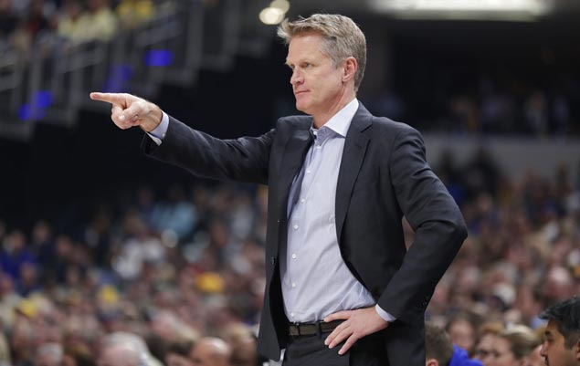 Steve Kerr given second Tomjanovich Award for coaching excellence and cooperation with media, fans