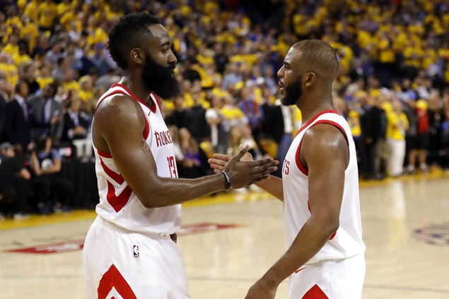 Brave CP3 carries Rockets on a tender foot, ends Warriors' record win streak at home