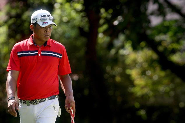 Balasabas waxes hot on windy day to join four-way tie atop Villamor leaderboard