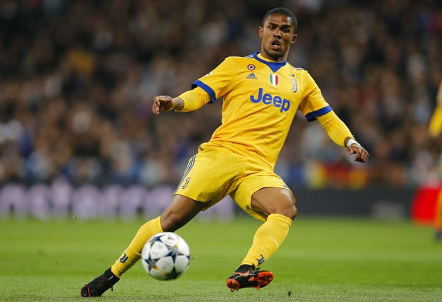 Brazil winger Douglas Costa injured but expected to be fit in time for World Cup