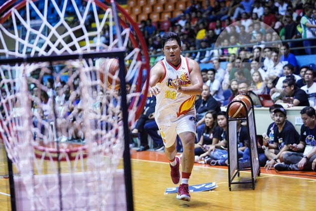'Big boy' Belga shows off small man's skills by ruling PBA All-Stars' Obstacle Challenge