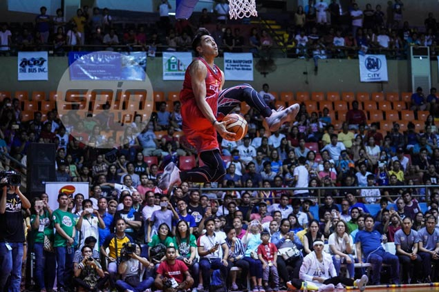 Guevarra holds off Renz Palma to win fourth PBA slam-dunk title in five years