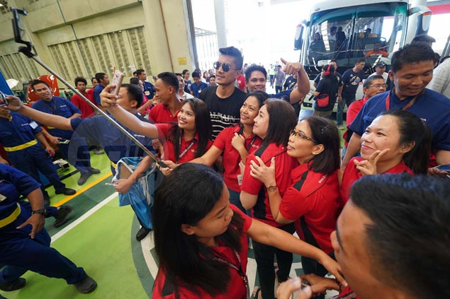 James Yap returns to high school roots in Iloilo for first time after almost two decades