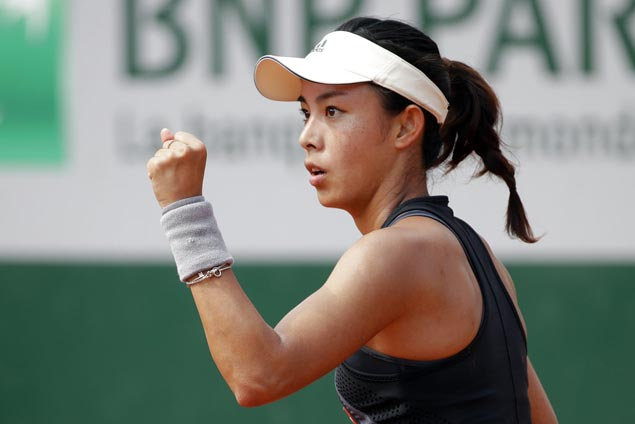 Wang Qiang wins in straight-sets to send Venus Williams to early Roland Garros exit