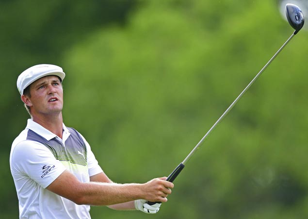 Bryson DeChambeau a stroke clear as Tiger Woods stays in the mix at Muirfield