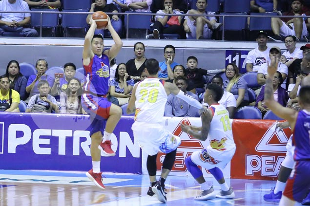 Perfect from field, but not from foul line as Rome dela Rosa typifies Magnolia's free-throw shooting woes