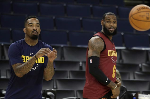 LeBron counting on JR Smith to redeem self from gaffe in series opener