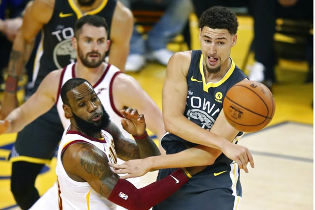 Klay shakes off ankle injury as Warriors go wire-to-wire in Game Two win over Cavs