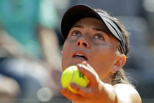 Maria Sharapova marches on to quarterfinals as Serena Williams withdraws due to injury