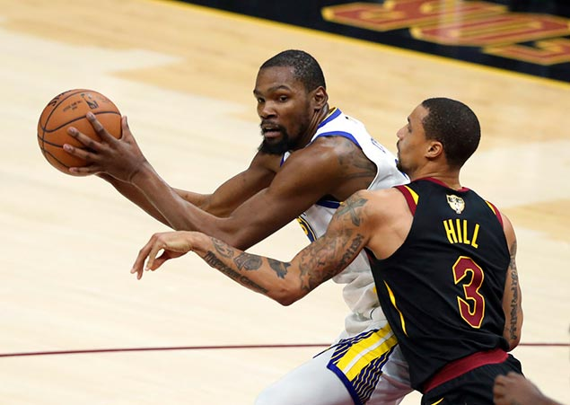 Durant drops 43 as Warriors on verge of sweeping Cavs, back-to-back titles