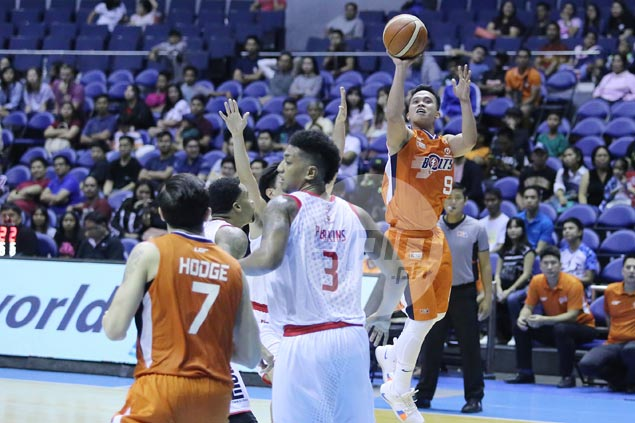 Meralco endures fiery Wright explosion to outlast Phoenix in overtime thriller