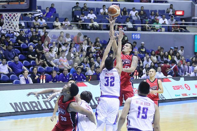 Abueva-less Alaska relies on beast of a performance from Vic Manuel to outlast Magnolia