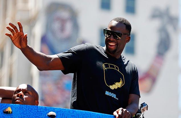 Draymond Green trolls LeBron James again with championship parade shirt