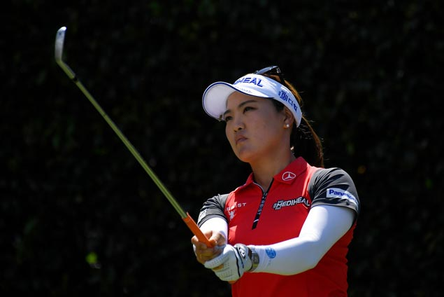 So Yeon Ryu recovers from flat start to move one stroke ahead at Blythefield