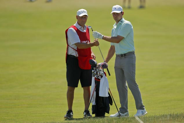 Firefighter Matt Parziale ties for US Open low amateur with dad Vic on bag on Father's Day