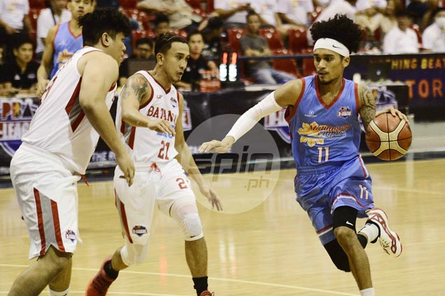 Marinerong Pilipino posts 42-point rout of Batangas