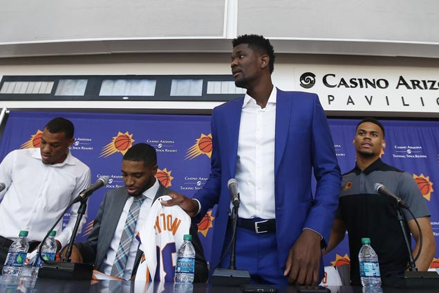 Top pick Deandre Ayton looking to prove he's no ordinary center