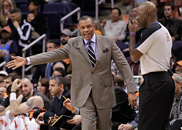 Alvin Gentry interviews with New Orleans Pelicans, still focused on Golden State Warriors