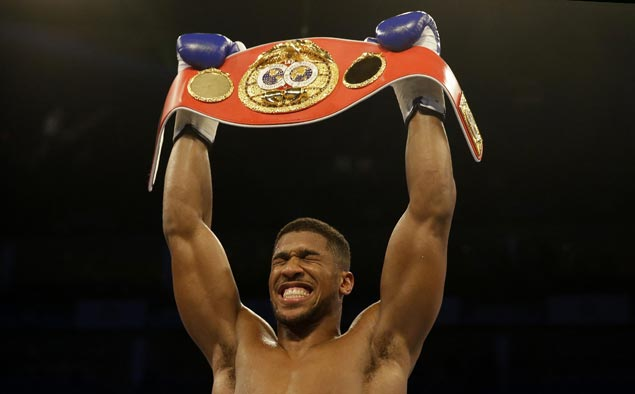 Anthony Joshua a heavyweight champ in just 16th pro fight, snatches IBF belt off Charles Martin with 2nd round KO