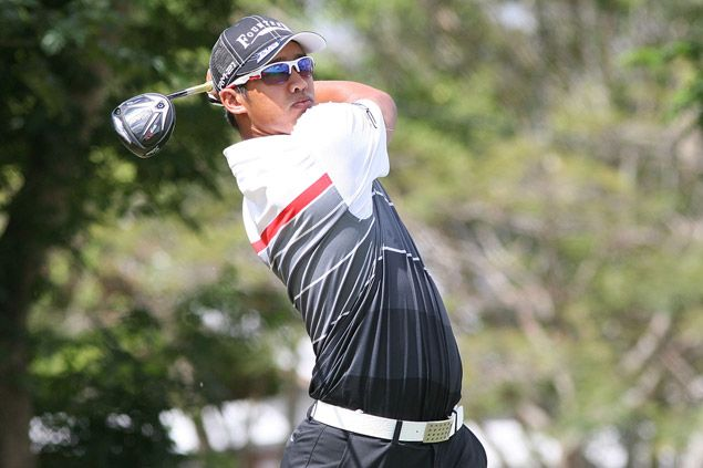 Malaysia's Arie Irawan takes three-stroke lead over Miguel Tabuena and Micah Shin at ADT Eagle Ridge