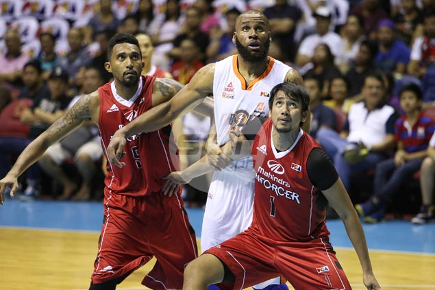 Arinze Onuaku posts sub-par offensive numbers, but low-post attention benefits Meralco shooters