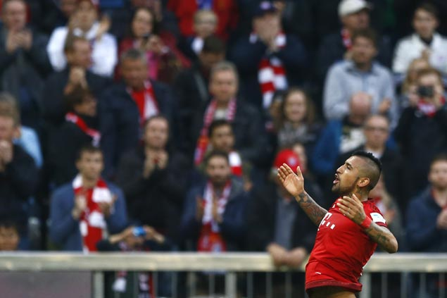 Bayern Munich closes in on a record fourth straight Bundesliga title with rout of Schalke