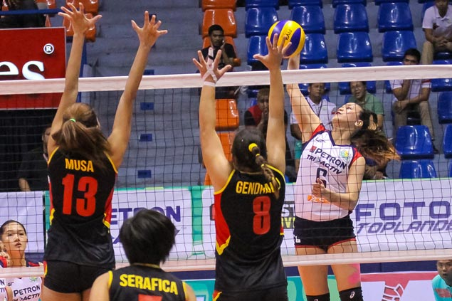 Petron makes short work of F2 for second straight win in PSL Invitational