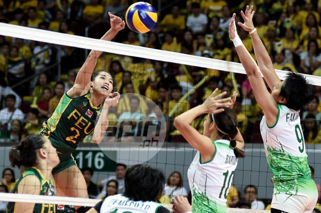 FEU Lady Tamaraws keep finals bid alive, force rubber match in Final Four with DLSU Lady Spikers