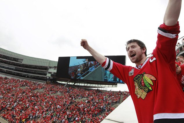 Fake NHL merchandise worth US$180,000 seized near Blackhawks and Lightning arenas during Stanley Cup final