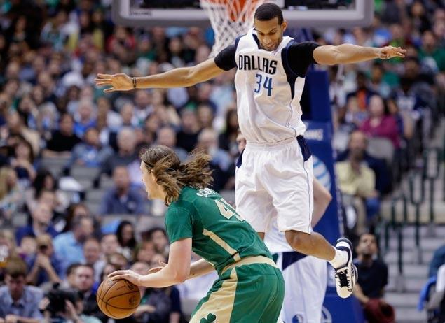 Mavericks turn back Celtics tomove to 14 games over .500