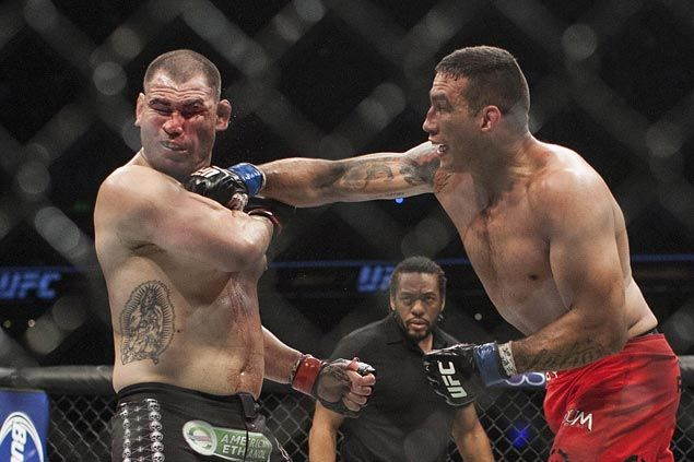 Fabricio Werdum submits Cain Velasquez in third round of UFC heavyweight unification bout