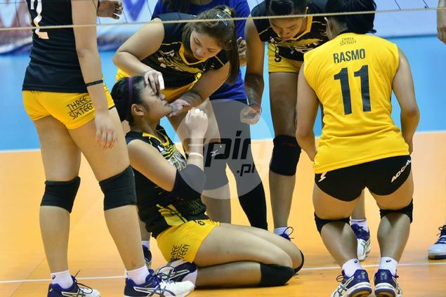 Carmela Tunay brought to hospital with bloody nose after colliding with teammate during V-League match