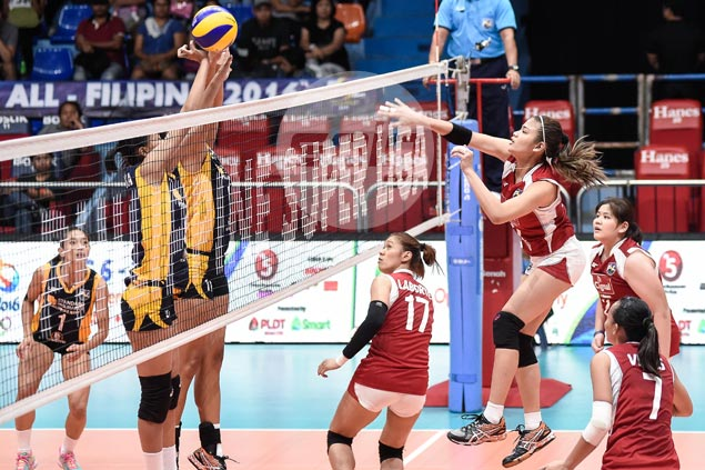 Cignal boosts chances of salvaging fifth place with straight-sets victory over Navy
