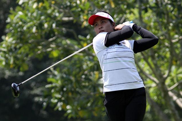 Thailand's Chamchoi Saraporn two strokes clear after one round at tough Luisita