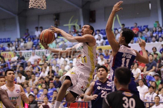 Chris Newsome flashes fiery form to share spotlight with Gilas cadets in Hapee win