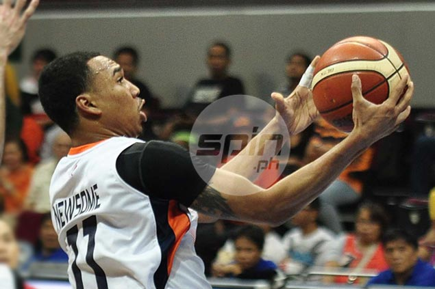 Meralco sustains surprising start, holds off GlobalPort to remain unbeaten